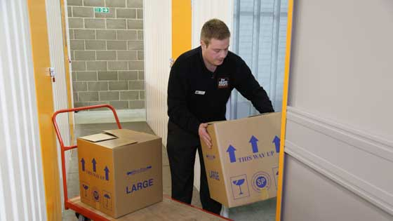 Moving House using self storage in Leicester