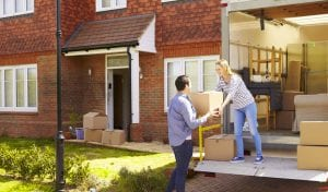 Using self storage to help when moving house